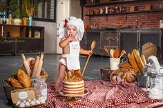 Little chef, cook in the real kitchen with her very first cake on Birthday! Smashcake photosession was really unforgettable! Cake smash party, cakesmash with flour, bred and bakes from bakery New Baby Girl Names, New Baby Girls, 1st Birthday Photoshoot, Baby Birthday, Baby First Outfit, Baby Baker, One Month Baby, 1st Birthday Pictures, Baby Cooking