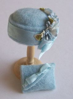 Handmade 1/12th scale dollshouse moulded pale blue felt cloche style hat and matching bag