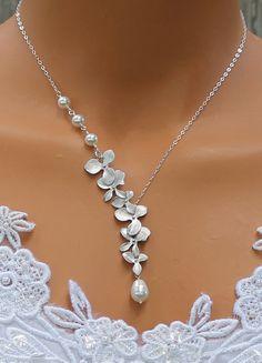 Simple Wedding Necklace For Bride Crystal Teardrop Delicate Bridal Jewelry Swarovski Pendant Attire