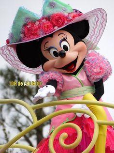 Minnie at Easter parade at Disney Sea