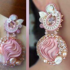 Photo from serenadimercionejewelry Ribbon Jewelry, Soutache Jewelry, Diy Jewelry, Beaded Jewelry, Jewelry Design, Shibori, Soutache Tutorial, Passementerie, Beading Tutorials