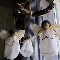 Kolotoč andílků z makoviček
