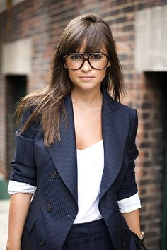 :) love her glasses. And I want that blazer....