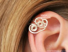 Left/ Right Ear Upper Cartilage Cuff Lovely Hearts Fake Piercing -Silver Plated