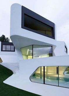 Stunning Architecture & Design: Residential house 'Dupli Casa' in Ludwigsburg by J. Mayer H. Architecture Résidentielle, Futuristic Architecture, Beautiful Architecture, Contemporary Architecture, Installation Architecture, Sustainable Architecture, Unusual Homes, Design Moderne, Exterior Design