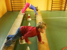 Challenge using arms for support. Crossfit Kids, Kids Gym, Gross Motor Activities, Gross Motor Skills, Physical Development, Physical Education, Games For Kids, Activities For Kids, Preschool Gymnastics