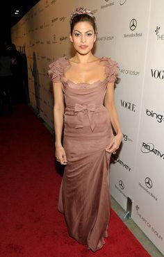 eva mendes red carpet dresses | Eva Mendes Actress Eva Mendes arrives at the 2011 Art Of Elysium ...