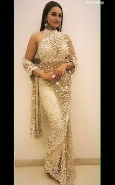 Saree Gown, Sari Dress, Indian Bollywood Actress, Bollywood Fashion, Indian Beauty Saree, Indian Sarees, Indian Wedding Outfits, Indian Outfits, Saree Poses