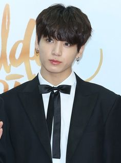 D. 2 :: ★ 180111 32nd Golden Disc Awards Red Carpet #JUNGKOOK ~♡