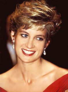 Princess Diana, STUNNING in red. So beautiful inside and out.