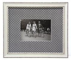 """Passe partout simple sur ouverture droite.  Réalisé par Violette avec le papier PAPERTREE """"SHIYOGAMI"""" Noir & blanc (réf PT53465)"""