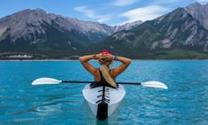 A transparent kayak to admire the seabed. An American company, The Crystal Kayak Company , has just marketed a new canoe-kayak since it ha. Kayaking Quotes, Kayaking Trips, Canoeing, Sports Nautiques, Water Sports, Aerobic, Meditation, Check Up, Acide Aminé