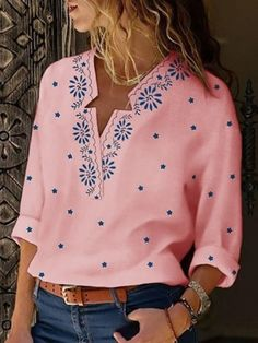 Style:Fashion Pattern Type:Floral Material:Polyester Neckline:V-Neck Sleeve Style:Long Sleeve Length:Regular Occasion:Casual Package Blouse Floral Print Shirt, Printed Blouse, Bohemian Blouses, Trend Fashion, Style Fashion, Daily Fashion, Latest Fashion, Shirt Bluse, Types Of Sleeves
