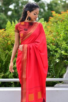 Get the ultimate guide on how to create your own designer saree blouses, with all the tops you have in your closet. Get the latest on saree drapes and new styles. All images belong to their respective owners, contact us for a credit saree Saree Blouse Designs, Blouse Patterns, Indian Attire, Indian Wear, Indian Dresses, Indian Outfits, Indische Sarees, Saree Jackets, Formal Saree