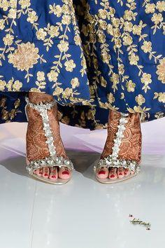 Indian Bride Gujarati Henna Mendhi Wedding Reception Shoes