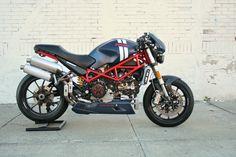 Ducati Monster S4R Testastretta custom.