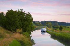 Die schönsten Strecken, um Frankreich im Hausboot zu entdecken - TRAVELBOOK.de