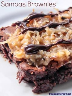 Samoas Brownies Recipe - If you love Samoas Girl Scout Cookies, these Samoas Brownies are about to be your favorite new dessert! This recipe is delicious and will remind you of one of your favorite cookies!