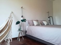 Minimalist airbnb. Hidden gem with indoor hammock @ Strand main beach - Apartments for Rent in Cape Town