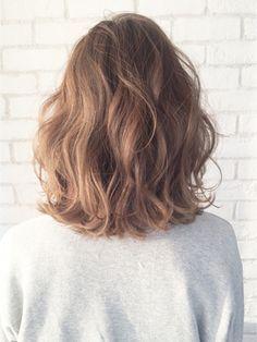 波ウェーブバレイヤージュロブ_ba18117/ALBUM HARAJUKU【アルバム ハラジュク】をご紹介。2017年秋の最新ヘアスタイルを100万点以上掲載!ミディアム、ショート、ボブなど豊富な条件でヘアスタイル・髪型・アレンジをチェック。