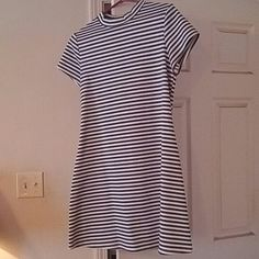 *SOLD IN BUNDLE*  Free People Dress *SOLD* This black and white, a-line dress is an absolute perfect throw on and go must have! Made of very soft material, with cap sleeves and a slightly high mock neck. Stylish faded look from FP. Only worn once. Too big for me now. ✌😎💚 Free People Dresses Mini