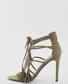 Sandales à talons - Une sandale chic et féminine dans les tons phares de la saison.