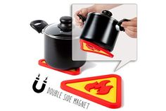 Hot'sPot  - Magnetic Heat Resistant Silicone Kitchen Trivet - Practical - Double sided - Protection of your table - Shape of an industrial fire warning sign - Safe & Practical Accessory for Kitchen