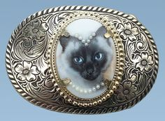 FREE SHIPPING ~ Siamese Cat Belt Buckle ~ Womens Belt Buckle ~ West German cabochon ~ Pearl Necklace ~ perfect gift for her