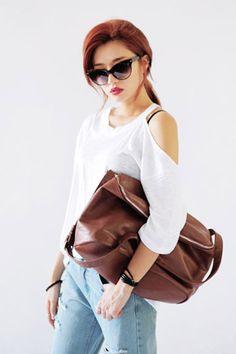 Today's Hot Pick :ワンショル肩見せルーズTシャツ http://fashionstylep.com/SFSELFAA0025795/stylenandajp/out