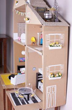 Una casita de muñecas hecha a mano