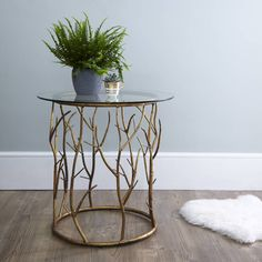 Are you interested in our occasional table? With our glass bedside table you need look no further. Bedside Table Design, Bedside Table Lamps, Console Tables, Iron Furniture, Table Furniture, Furniture Design, Small Glass Side Table, Side Tables Bedroom, Gold Side Tables