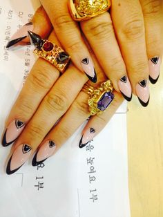 CL's nail art