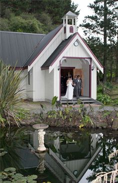 Footbridge Lodge offers a beautiful scenery for any event. New to Footbridge Lodge is Pop-up weddings, a great price for a simple but beautiful wedding. Wedding Locations, Wedding Venues, Wedding Ideas, Wedding Stuff, Wedding Event Planner, Wedding Planners, Lodge Wedding, Gray Weddings, Auckland