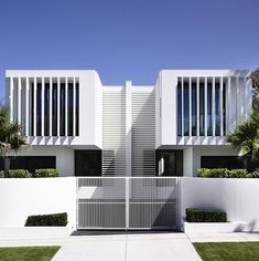 Symmetry at it's finest. Australian architecture studio, Martin Friedrich Architects, created these modern townhouses.