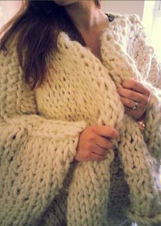 Super Chunky Knit Cape in Cream Dream
