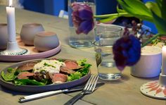 Resterne fra culottesteg eller anden god steg, kan trylles om til en frokost med den super lækre ret Vitello Tonnato på menuen - se opskrift og billeder her