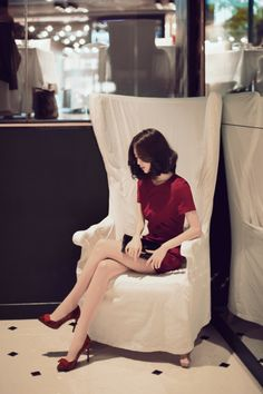 Korean Fashion Trends you can Steal – Designer Fashion Tips Oriental Fashion, Asian Fashion, Girl Fashion, Sexy Asian Girls, Beautiful Asian Girls, Korean Beauty, Asian Beauty, Yoon Sun Young, Pretty Asian