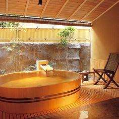 Japanese Modern House, Japanese Style, Japanese Hot Springs, Japanese Bathroom, Ideal Bathrooms, Outdoor Baths, Spa Rooms, Relaxing Bath, Bathroom Spa