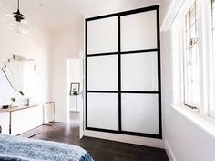 Art deco bedroom l Glass and black hanging pendants l Fan mirror l Reno Rumble Week 4 Bedrooms l Photos and Highlights White Wardrobe, Modern Wardrobe, Wardrobe Design, Built In Wardrobe, Kids Wardrobe, Wardrobe Ideas, Bedroom Layouts, Bedroom Styles, 2 Panel Doors