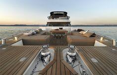 Le nouveau MCY 86 : un bateau plus grand, plus spacieux, plus précieux.