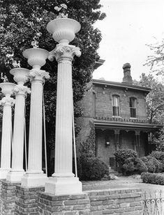 In Lessie Gates took a c. mansion on Poplar and transformed it into one of the most elegant restaurants in Memphis. She named i. Memphis Restaurants, Memphis Skyline, Bluff City, Memphis Tennessee, My Kind Of Town, Good Old, Hanging Out, Great Places, Beautiful Homes