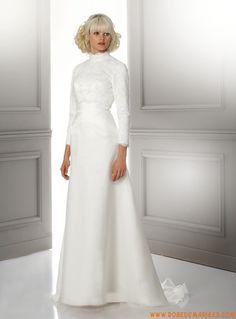 Robe de mariée vintage longue manches broderies