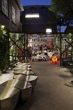 The Garage Lounge at Hyundai Mostra Black exhibition by Fernanda Marques