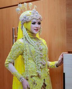 Muslimah Wedding Dress, Hijab Style Dress, Wedding Hijab Styles, Model Kebaya, Beautiful Muslim Women, Traditional Wedding Dresses, Na Jaemin, Wedding Beauty, Hijab Fashion