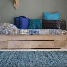 Stoer bed van steigerhout   online kopen   Klein & Stoer