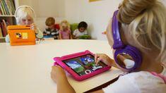 Hvordan skal vi forældre forholde os til børns brug af moderne teknologi? Vi har spurgt en lang række af landet førende forskere.
