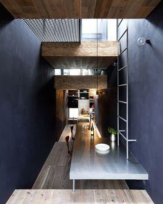 interieur-rustikalen-akzenten-buero-holz-tisch-parkett-gestaltung ...