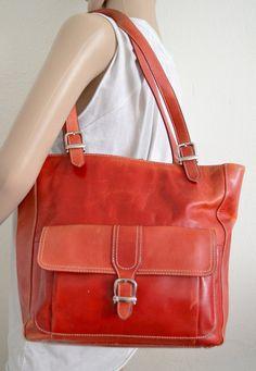 Free Ship Vintage Red Distressed Leather Purse Tote Shoulder Bag Valerie Stevens op Etsy, £21.79