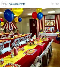 Circus Dumbo Birthday Party, Baby Boy 1st Birthday, Birthday Party Tables, Carnival Birthday Parties, Circus Birthday, Unicorn Birthday Parties, 5th Birthday, Clown Party, Circus Carnival Party