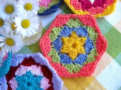 #Crochet hexagon tutorial - step by step with link to free pdf of pattern